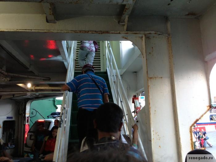 Лестница на пассажирскую палубу